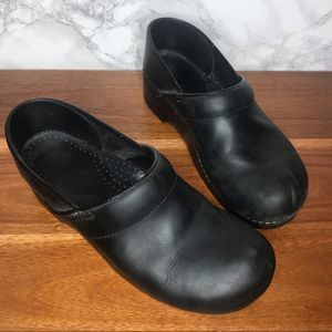 Dansko Professional Box Toe Nursing Clogs Black